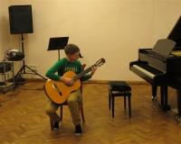 Stefan Parimski kitarril