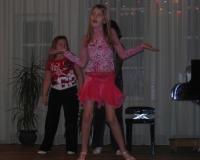 Õpilased tantsuhoos