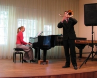 Henri Aruküla (tromboon) ja Martina Võrk (klaver)