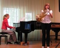 Liina Kuusik (metsasarv) ja Martina Võrk (klaver)