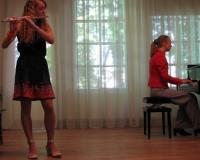 Liina Juhanson (flööt) ja Martina Võrk (klaver)
