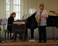 Gunnar Kallari (saksofon) ja Martina Võrk (klaver)