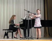 Kadi Kaldmäe (flööt) ja Erene Petrova