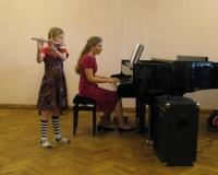 Karoliina Raudberg (flööt) ja Erene Petrova (klaver)