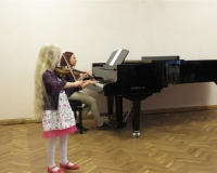 Minna Emilia Vürst (viiul) ja Veronika Balanova (klaver)