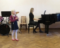 Minna Emilia Vürst (plokkflööt) ja õp. Martina Võrk (klaver)
