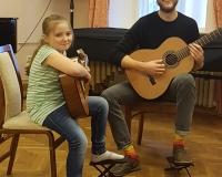 Julianna Kuusmaa ja õpetaja Arno Tamm
