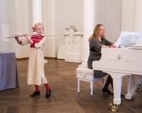 Minna Emilia Vürst (flööt) ja kontsertmeister Martina Liiver